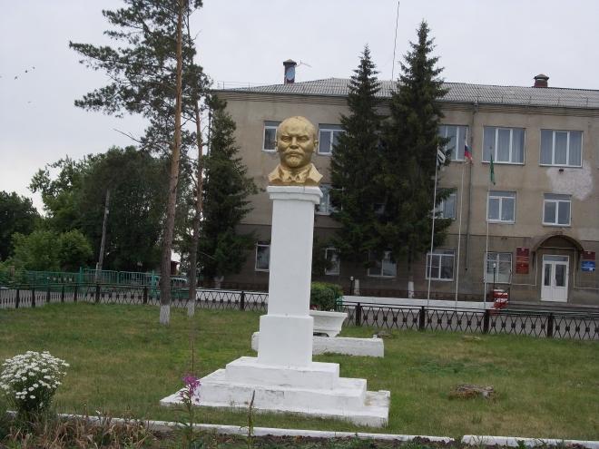 Памятник с семейный Далматово Шар. Дымовский гранит Олекминск