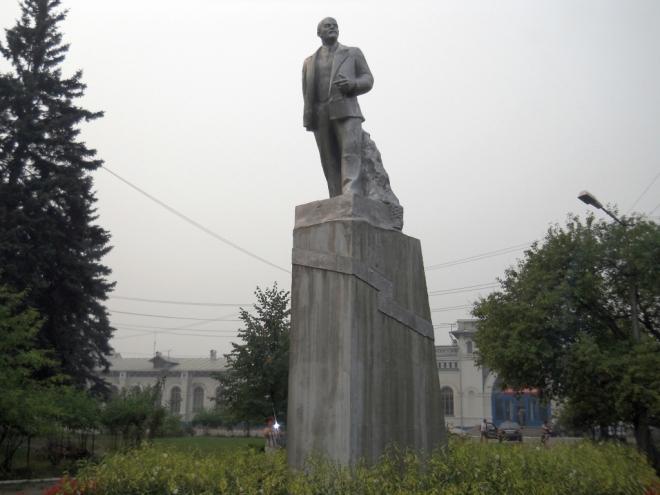 Памятник с семейный Буинск, Чувашия Мемориальный комплекс с арками и колонной Добрянка